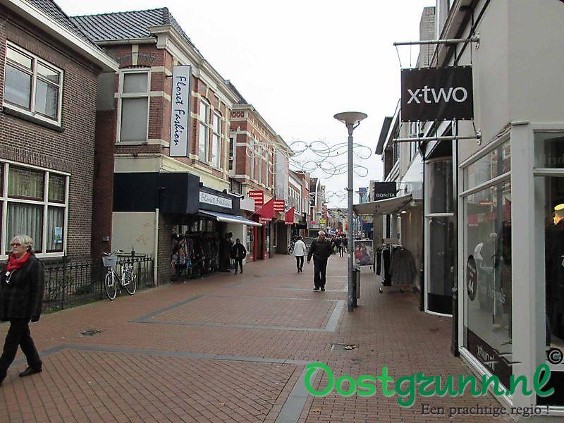 Winkelen in de Langestraat Winschoten