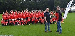Nieuwe trainingspakken voor de jeugd van Bellingwolde Bellingwolde, Westerwolde